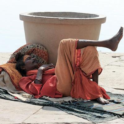 Regular siestas are one of the health tips for men